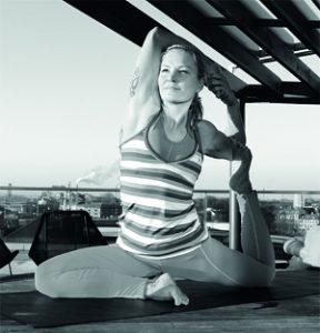 Yogaläraren Milla Floryd