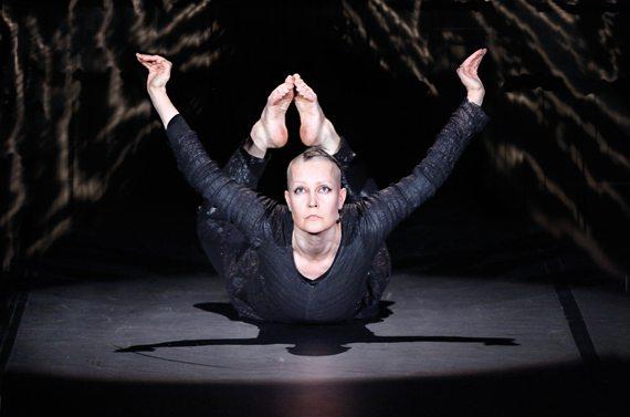Dansterapi och dans fungerar helande, menar Virpi Pahkinen.