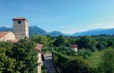 Mediechef vill få ledare att landa i medeltida kloster