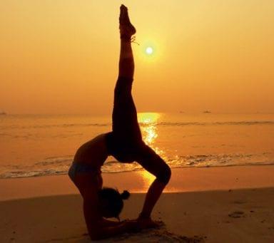Yogaresearrangören som klimatkompenserar gästernas resor
