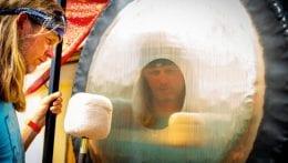 Förstärk meditationen med hjälp av gongmusik