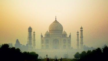Är öst andligt och väst materiellt?