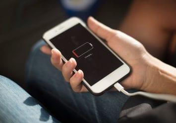 Låt mobilen dö – och ladda dina egna batterier