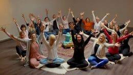 Sugen på att bli yogalärare? Det här bör du tänka på