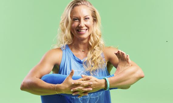 Yogapanelens Johanna Hector: Så överlever du på en yogalärarlön