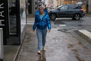 Emilia Löf Karlsson samarbetar med Pernilla Wahlgren