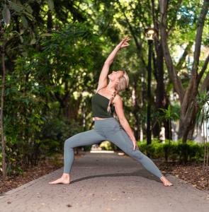Ung yogageneration förändrar världen.