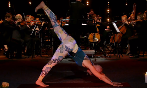 yoga med symfoniorkester