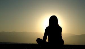 yogalärare manipulerar elever